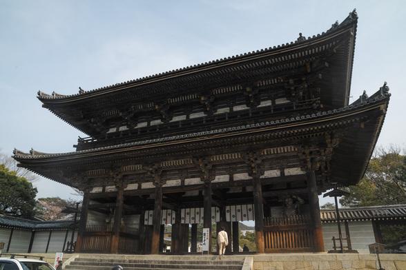20150412朝の京都・仁和寺SD1-2.jpg