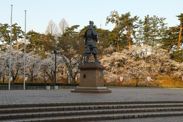 20150422朝の弘前・弘前公園SD1-1.jpg