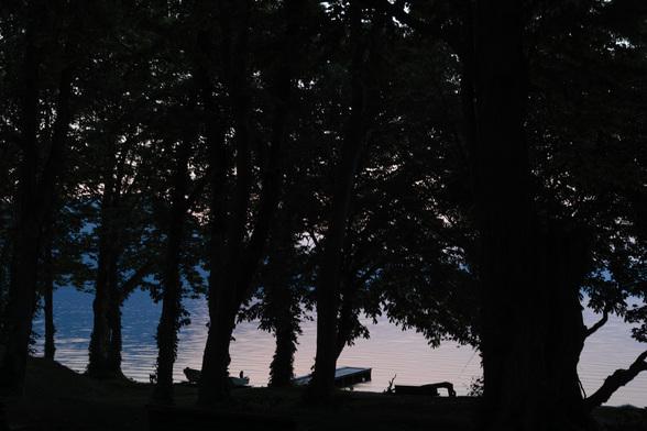 20150525朝の十和田湖・山の家SD1-1.jpg