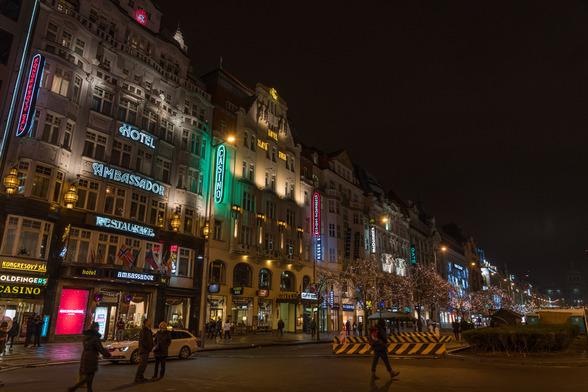 20171227〜28深夜のプラハ・旧市街広場A7RIII-1.jpg