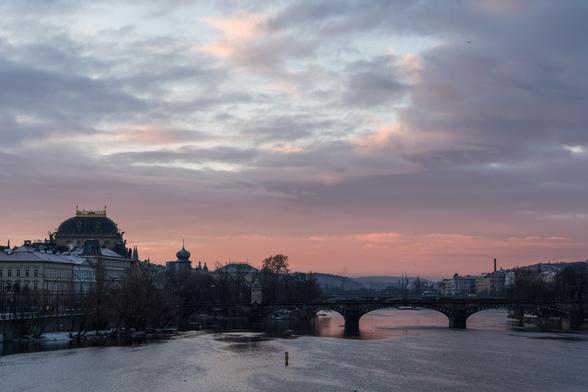 20171230朝のプラハ・カレル橋A7RIII-36.jpg